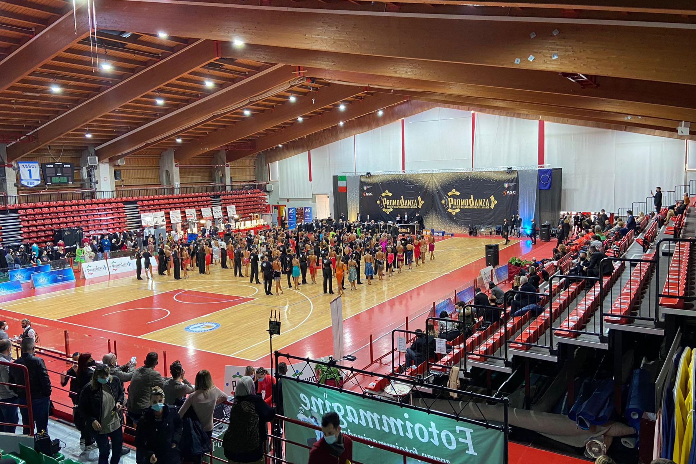 Italian Dance Tour al PalaBorsani post thumbnail image